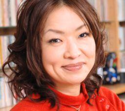 清水ミチコの夫・坂田幸臣はどんな人?馴れ初めや結婚式が盛大?