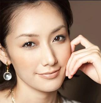 橋本優子と旦那・鈴木隆行の現在は?夫婦仲や馴れ初めについて